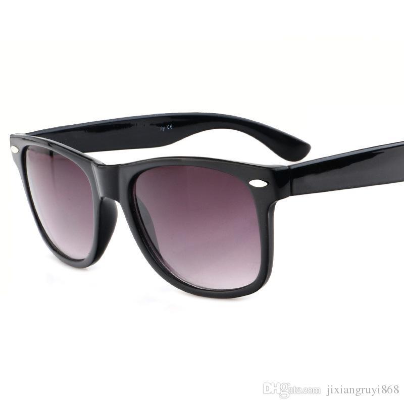 2019 Nouveaux lunettes de soleil pour hommes Femmes Protection UV Lunettes de soleil Sport en plein air Rétro Lunettes de soleil Avec boîte et étui fgff