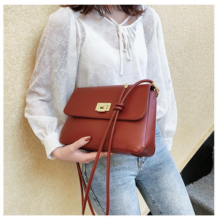 Kıdemli doku crossbody çanta kadın 2020 yeni ürün basit moda Fransız tarzı küçük çanta net aynı küçük bir kare ile kırmızı