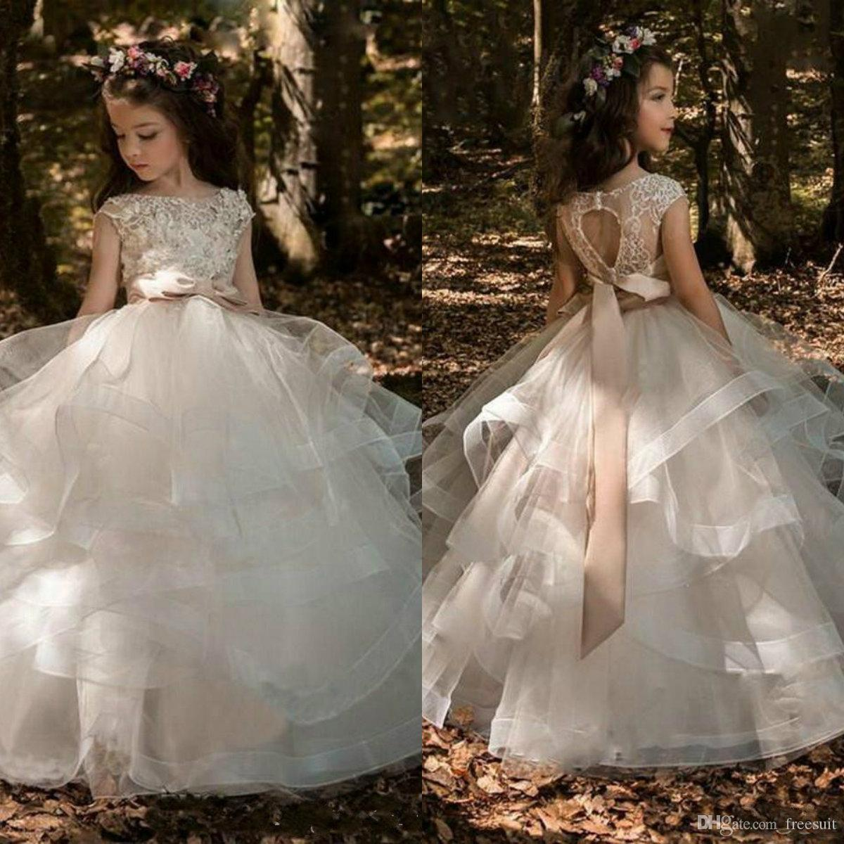 2020 Ball Gown Flower Girl Dresses Ruffle Beaded Appliqued Bow Sashes Tiers Ruffle Girl Pageant Gowns Custom Made First Communion Gown