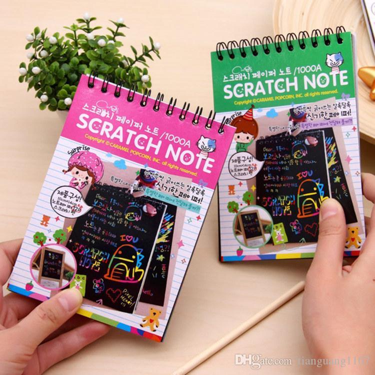 La mini colore zero fai da te bobina libro dei graffiti con la penna in bianco creativo sketchbook quattro colori disponibili