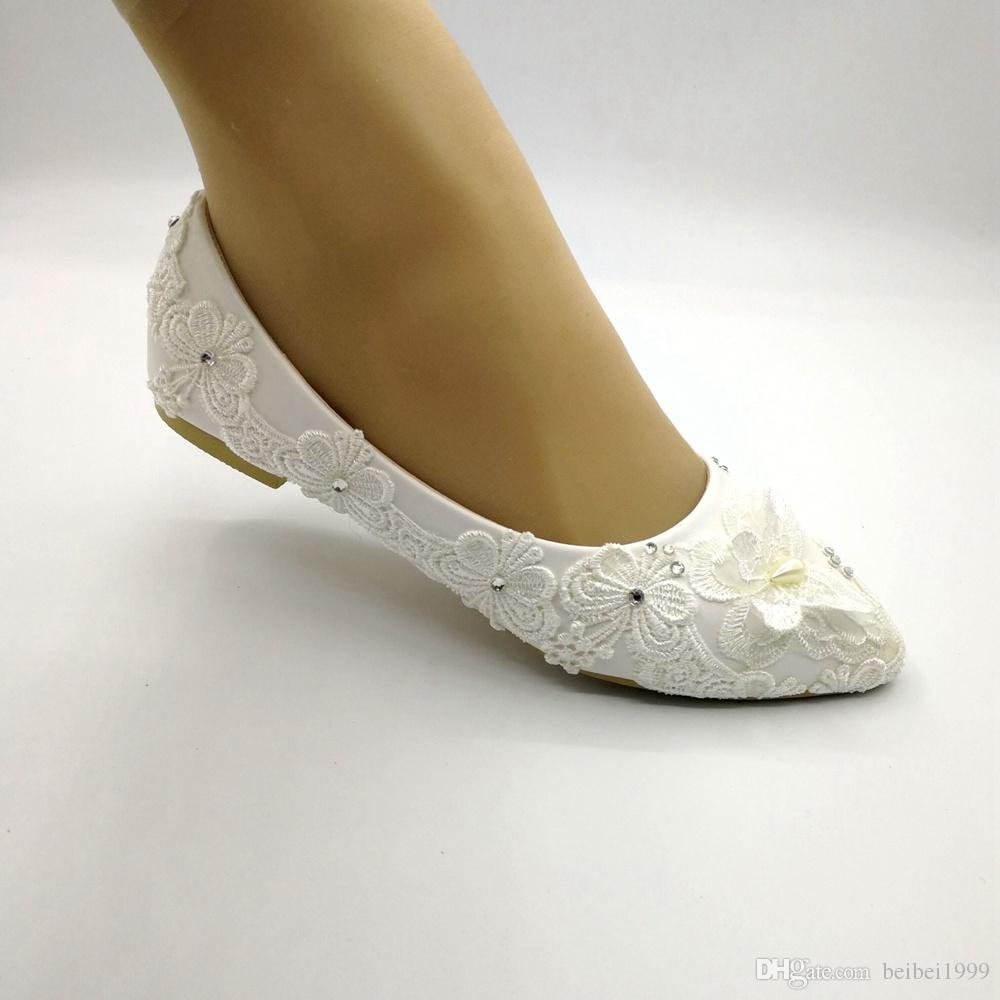 2019 Classic white lace pearls wedding shoes woman handmade low heel comfortable brides bridal shoes EU35-41