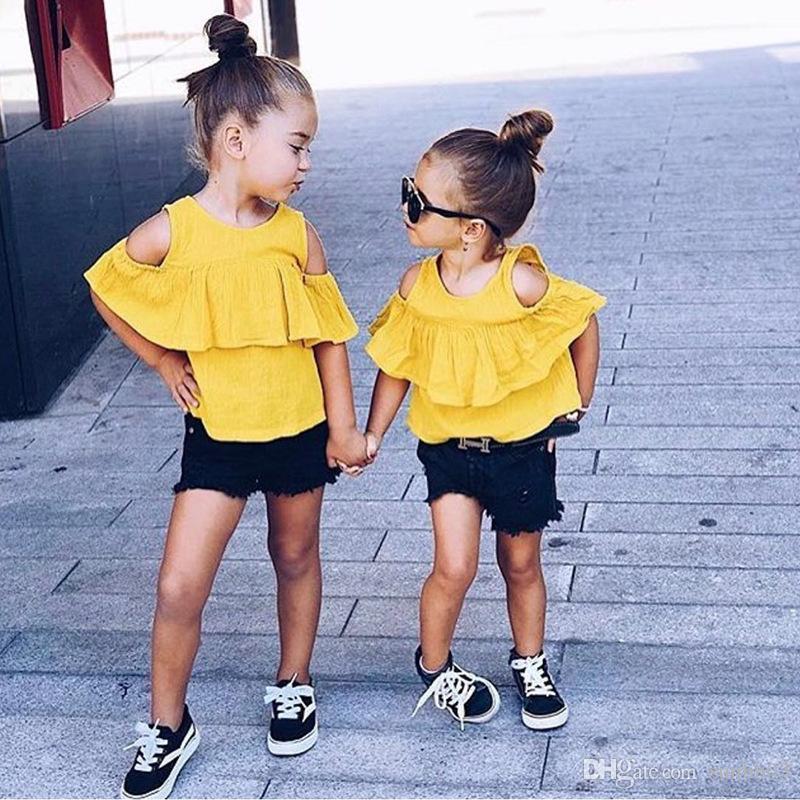 새로운 여름 아기 여자 의류 세트 어린이 오프 숄더 블라우스 + 검은 색 반바지 소녀 2 개 의상 어린이 의류 정장 14,389 탑
