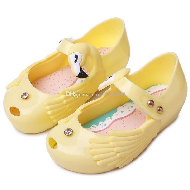 2019 아기 여름 신발 어린이 유아 아기 여자 아이 공주 샌들 신발 비 - 슬립 플라스틱 활 버클 젤리 신발 US6-11