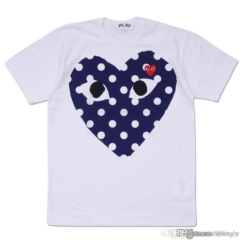 2018 Melhor Qualidade Hot HOLIDAY Coração Emoji JOGAR Japonês Preto Bolinhas Coração Branco Marinha T Shirt Das Mulheres Dos Homens