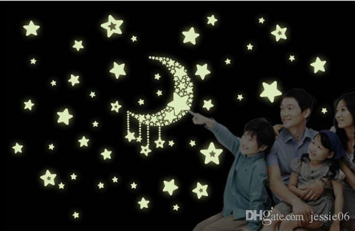 Estrellas de la luna mes fluorescente etiqueta de la pared Decal Mural extraíble brillan en la oscuridad etiqueta de inicio vinilo decorativo 21X24.5cm estrella
