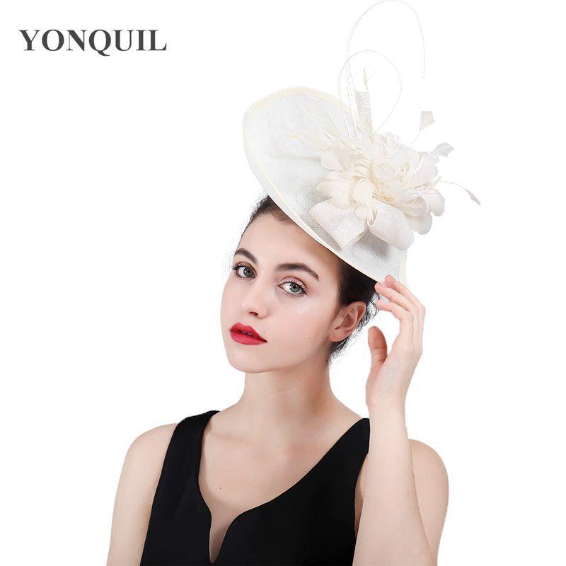 Moda Feminina Bege Imitação Sinamay Hat nupcial derby Pillbox chapéus com flor pena Mulheres casamento cabelo Acessórios SYF408