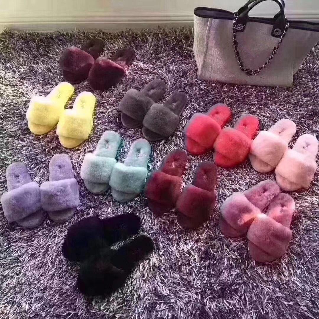 Designer réel wolen pantoufle doux fourrures d'hiver pantoufles pour femmes hommes enfants enfants diapos chaud chaussures taille EUR25-EUR44 beaucoup de couleurs
