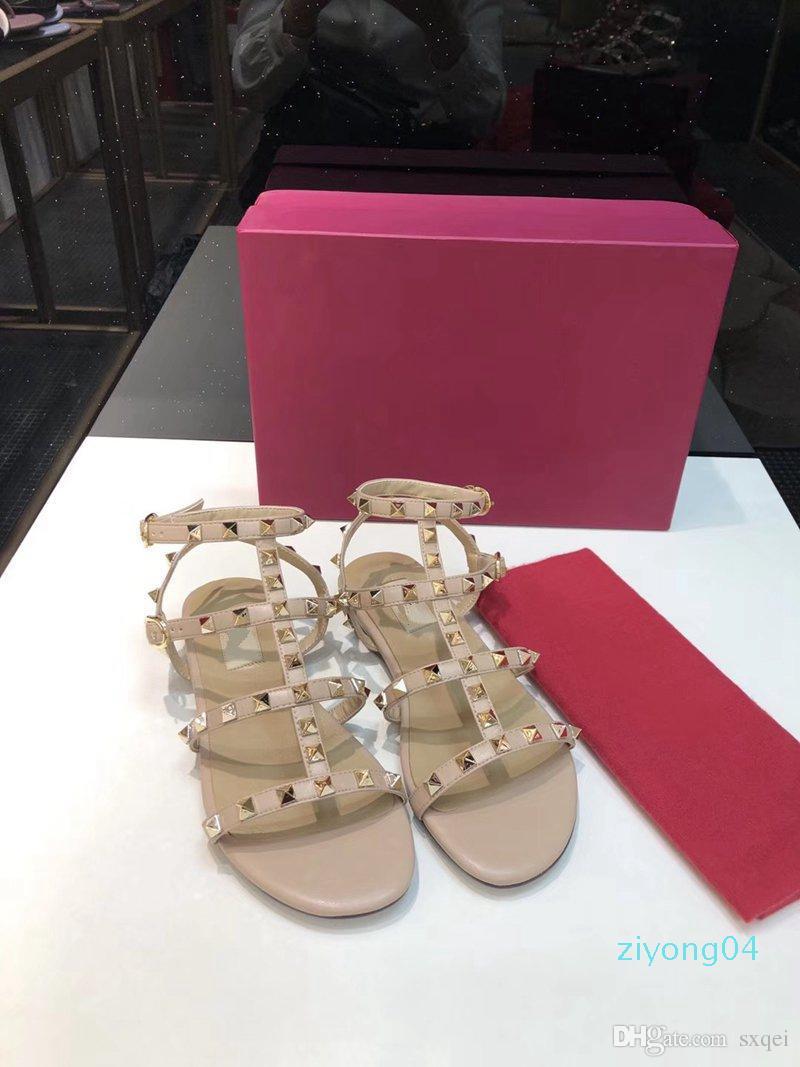 Vendita calda F1024 di vendita di modo delle donne del progettista dei sandali di nuovo arrivo Rivetti Stile Classico Qualità doppie cinghie sandalo Designer Sandali Z04