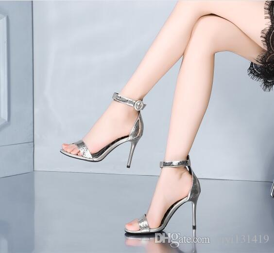 Босоножки на высоком каблуке 2019 летом новые лакированные кожаные сандалии с открытым носом с открытым ртом корейской версии дикой женской обуви на шпильках