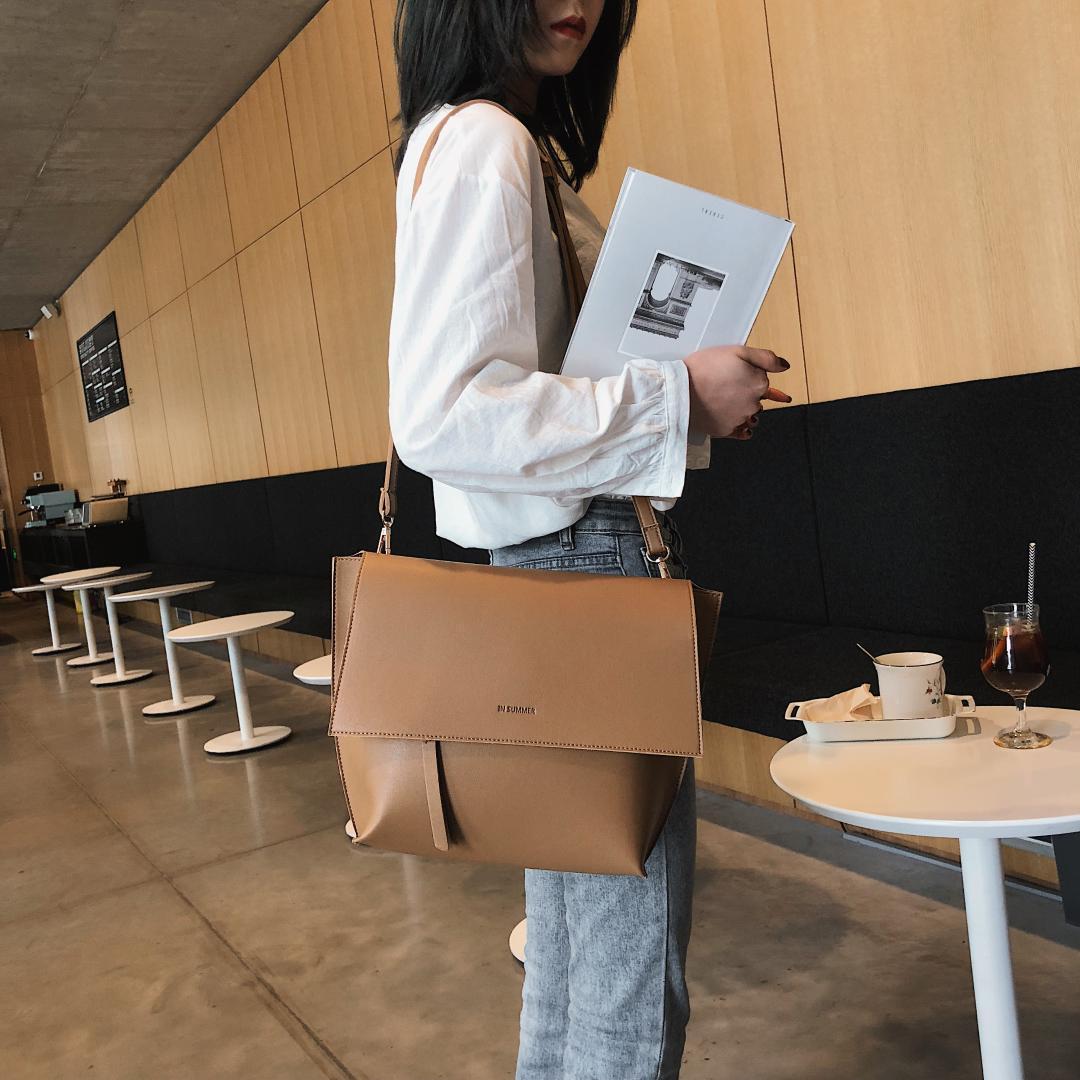 Bolsos de hombro de cuero de diseño-calidad de la PU para las mujeres 2019 del diseñador del bolso grande Crossbody del mensajero del bolso de señora color sólido del bolso de mano