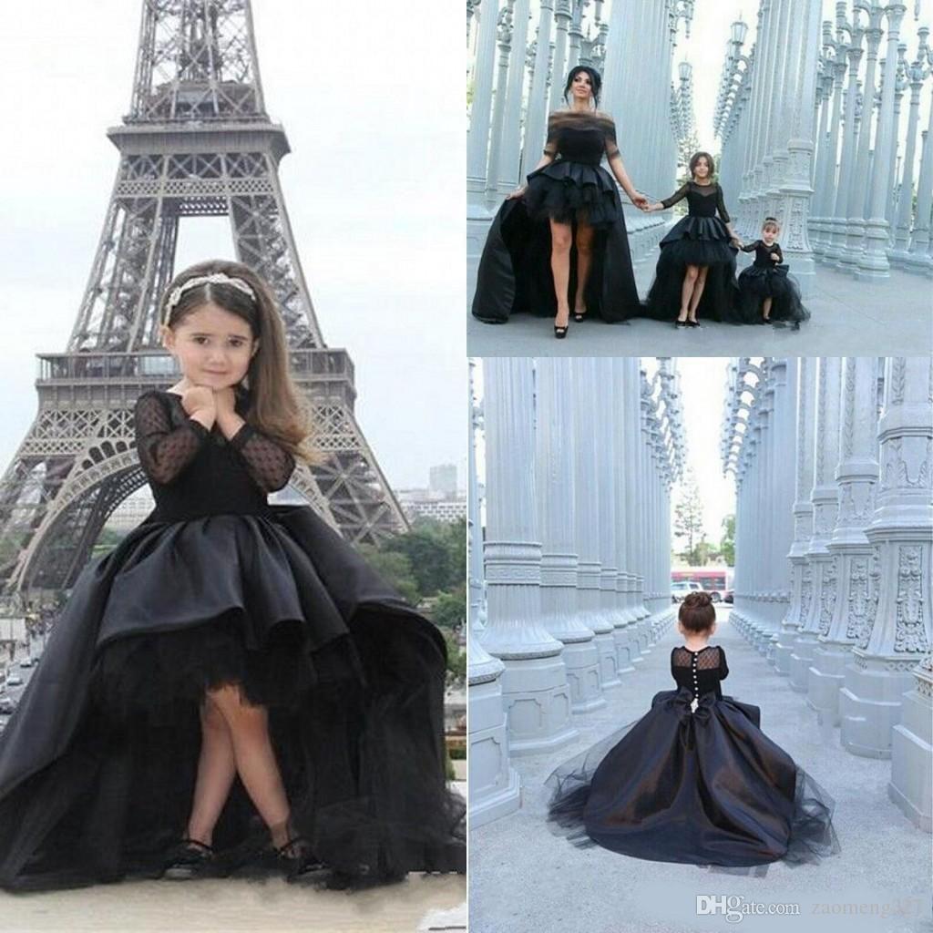 Desfile de vestidos de manga larga 2020 del diseño único de la muchacha Alta Baja Modest Negro satén de boda árabe niña vestido de flores para la Navidad