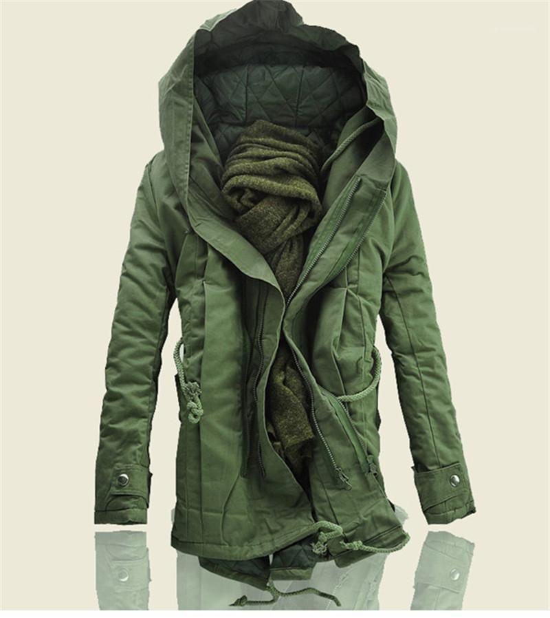 Chaqueta militar Tamaño Escudo Plus acolchada señores abrigos para hombre del diseñador de moda de las chaquetas de invierno de algodón con capucha estilo largo