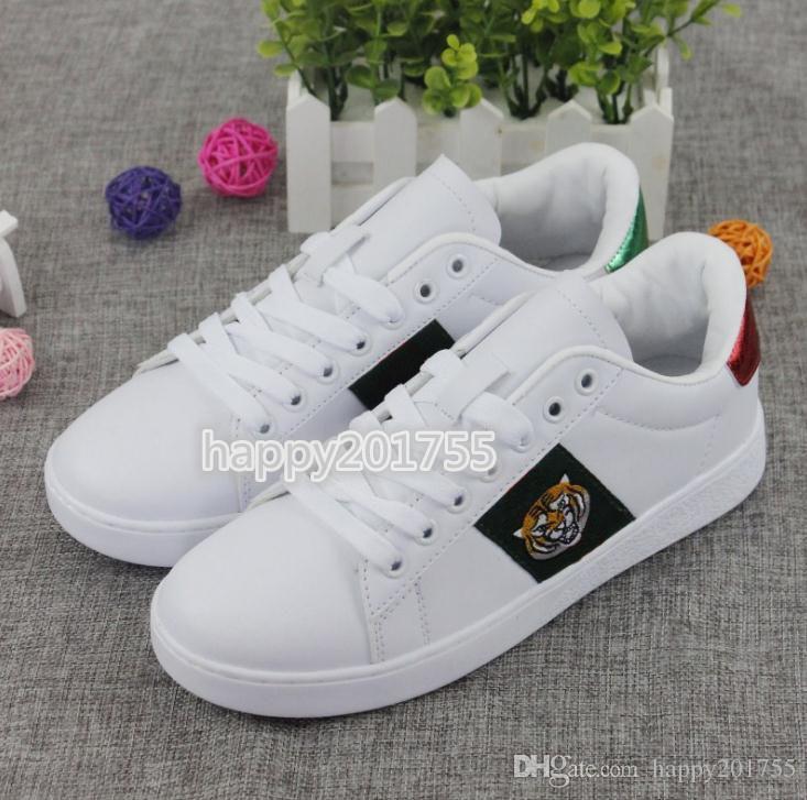 2019 مصمم أزياء G رجل إمرأة حذاء رياضة متعطل فاخر التطريز الصغيرة النحل النمر الأفعى أبيض أسود أحذية القيادة عارضة حجم 36-44