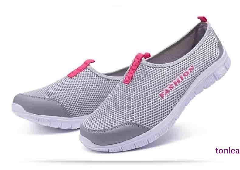 Nueva manera de las mujeres 2019 del resorte zapatos de gamuza zapatos de cuero de las zapatillas de deporte de las mujeres de triple S Entrenadores abuelo edad que se ejecutan