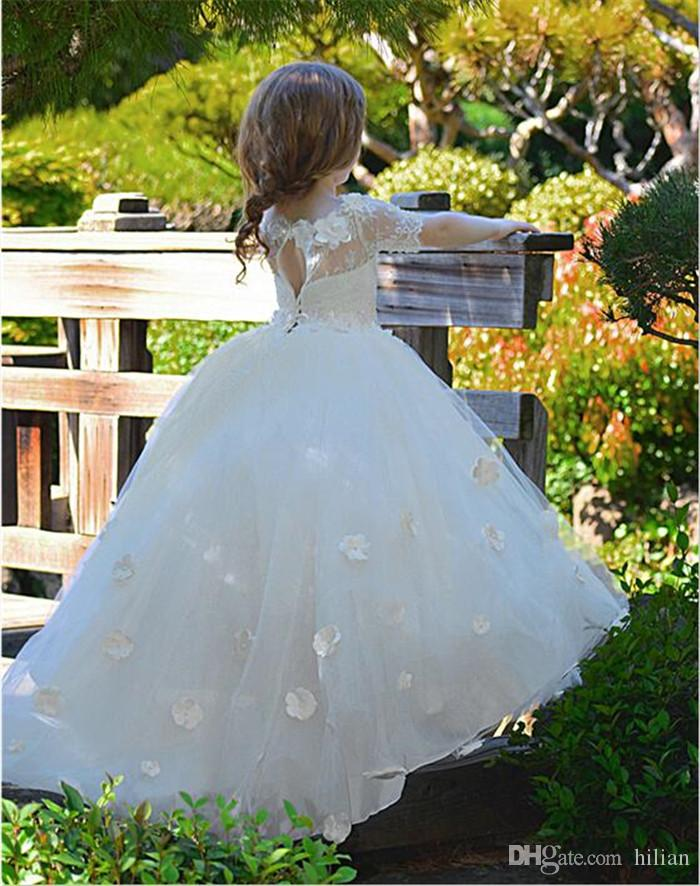 Nuovo vestito da ragazza di fiore con abiti da ballo 3D con applicazioni floreali per feste da ragazza Mezze maniche Abiti da prima comunione su misura