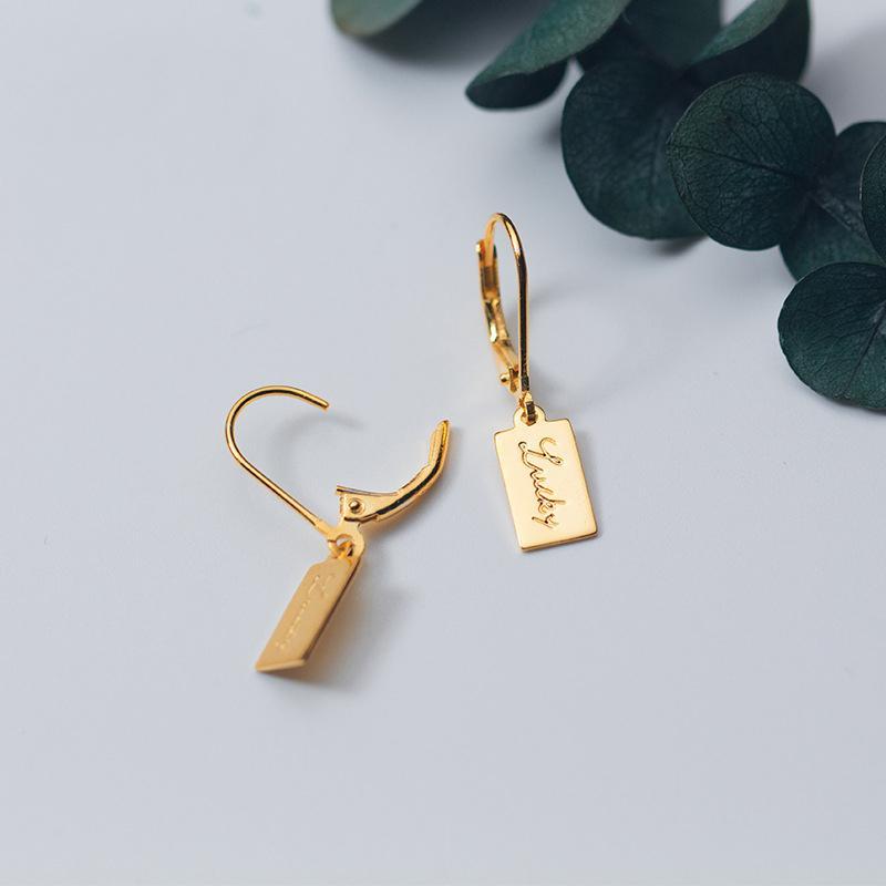 MloveAcc 925 Plata de ley Color de Oro Lucky Letter Alphabet Tag Pendientes de gota para Las Mujeres de Moda Pendientes de Joyería de plata