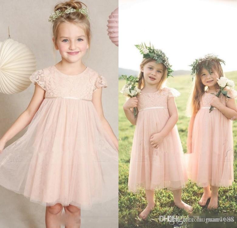 Kleine rosa Blumen-Mädchen-Kleider für Hochzeiten Jewel Ausschnitt Kurzarm Lace Kinder Formal Wear Tee Länge Günstige Weinlese-Mädchen Festzug-Kleider
