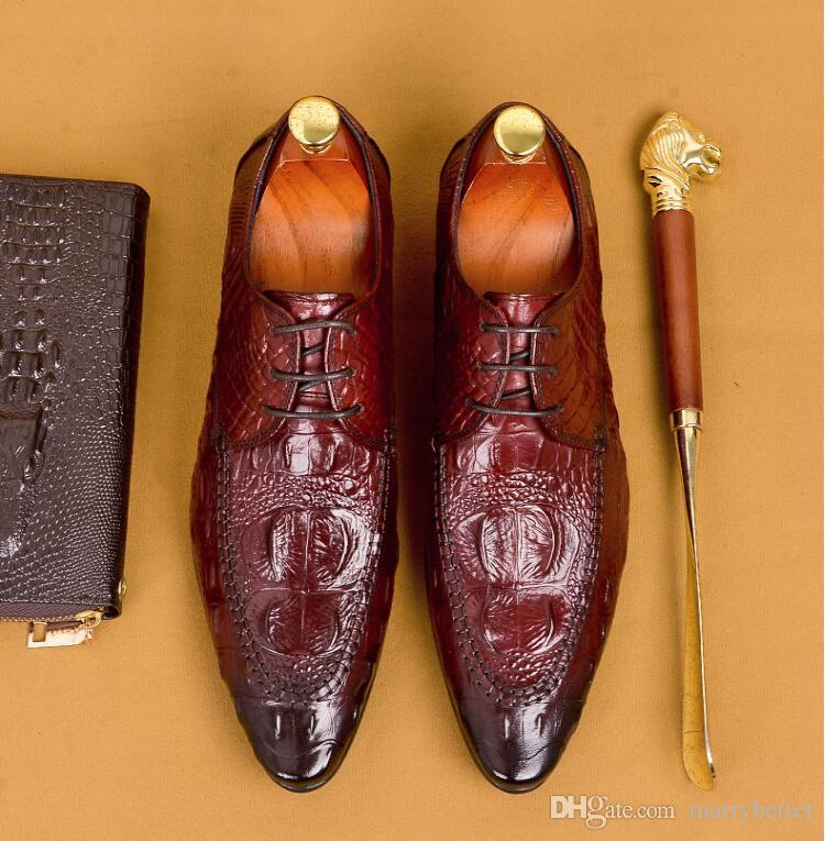 New Vintage British Carved Man Dress Shoes Genuine Leather Crocodile Brogue Oxfords Pointed Toe Lace up Men's Wedding Flats 1h2