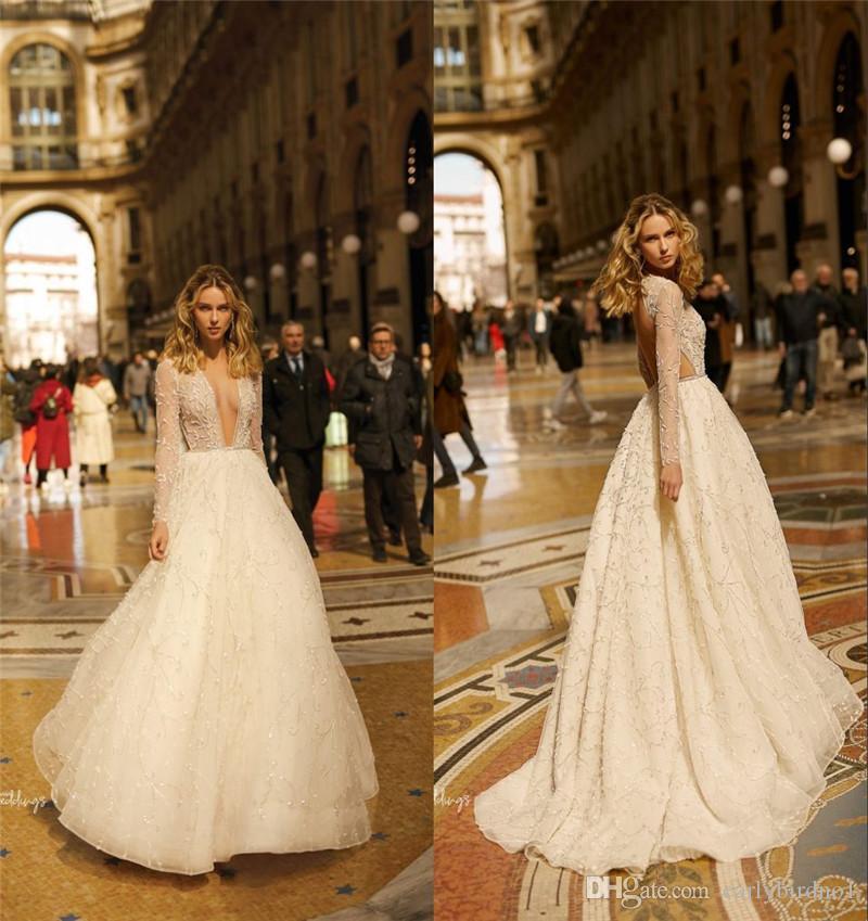2019 Champagne maniche lunghe A-line Bohemian Wedding Dress Elegante pizzo pieno profondo scollo a V Beach Boho Plus Size abito da sposa