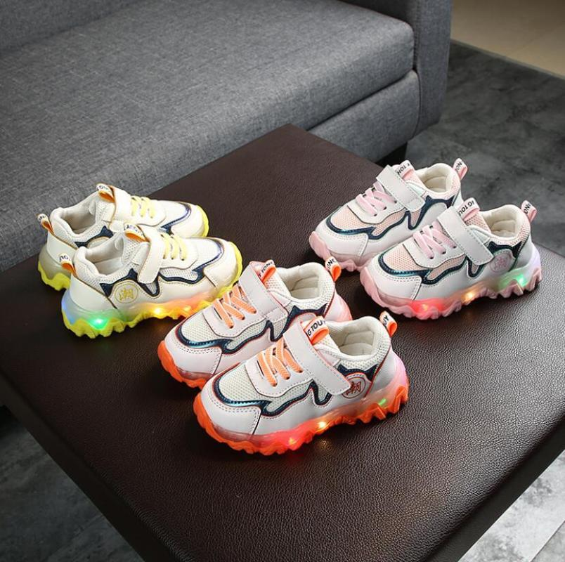 Enfant Sport Chaussures Printemps lumineux Mode Respirant Enfants Garçons Net Chaussures Filles ANTIDÉRAPANT Espadrilles Avec Running Light