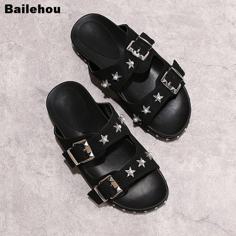 2019 Nouveau femmes d'été Chaussons Rivet Slingback Chaussons Sandales plateforme clouté Stud Concise Chaussures plates Plage Tongs Slipper c13
