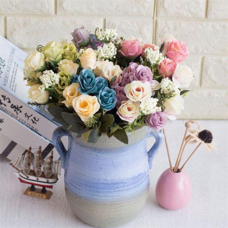 Europeu Falso Rosebud Bunch (7 hastes / peça) Simulação Pintura A Óleo de Rosas com Espuma de Frutas para o Casamento Casa Flores Decorativas Artificiais
