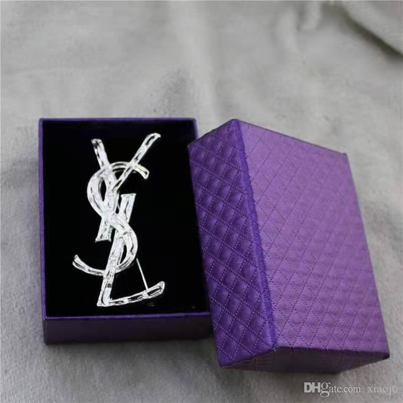 Diseño Carta de la broche de la broche de las mujeres de lujo Traje joyería Pin de la solapa de moda accesorios de alta calidad Epacket envío