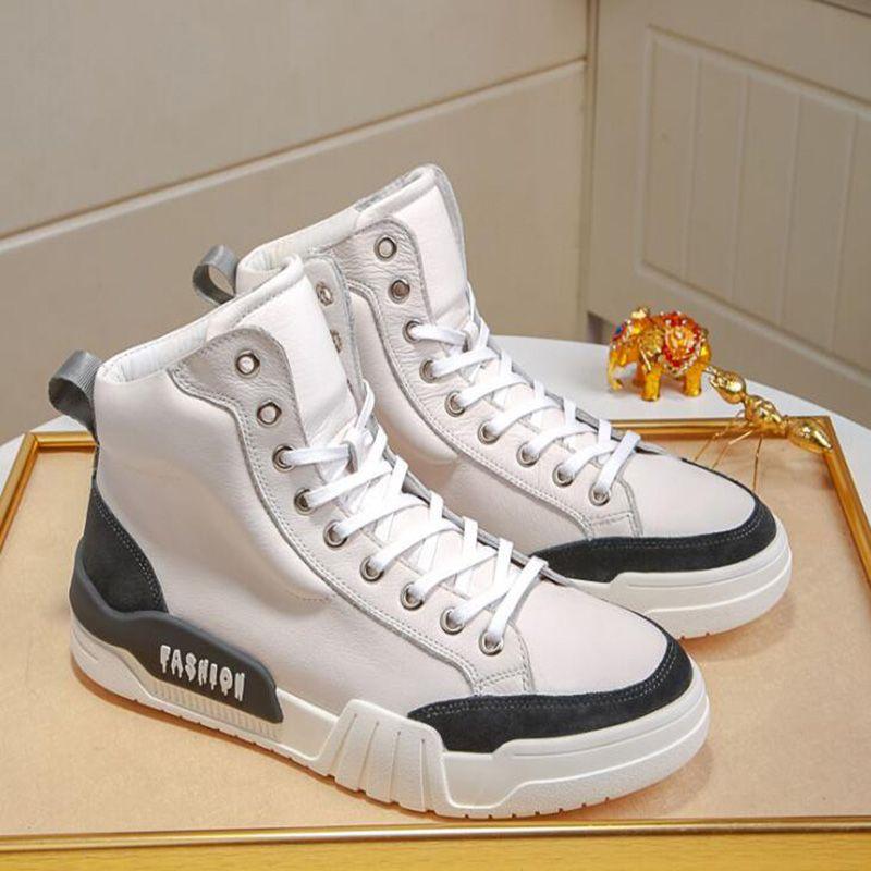Yeni Koşu Ayakkabı Erkek Beyaz Bej Bölünmüş Mesh Spor Spor ayakkabılar Nefes Alev Üçlü Siyah Moda Açık Ayakkabı Ücretsiz Kargo