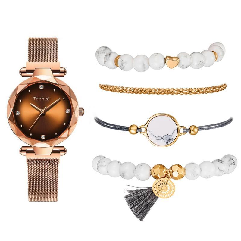 Mode Femmes Montres 5 PCS / set Bracelet magnétique Ladies Sky Star Clock diamant Femme Quartz Montres-bracelets