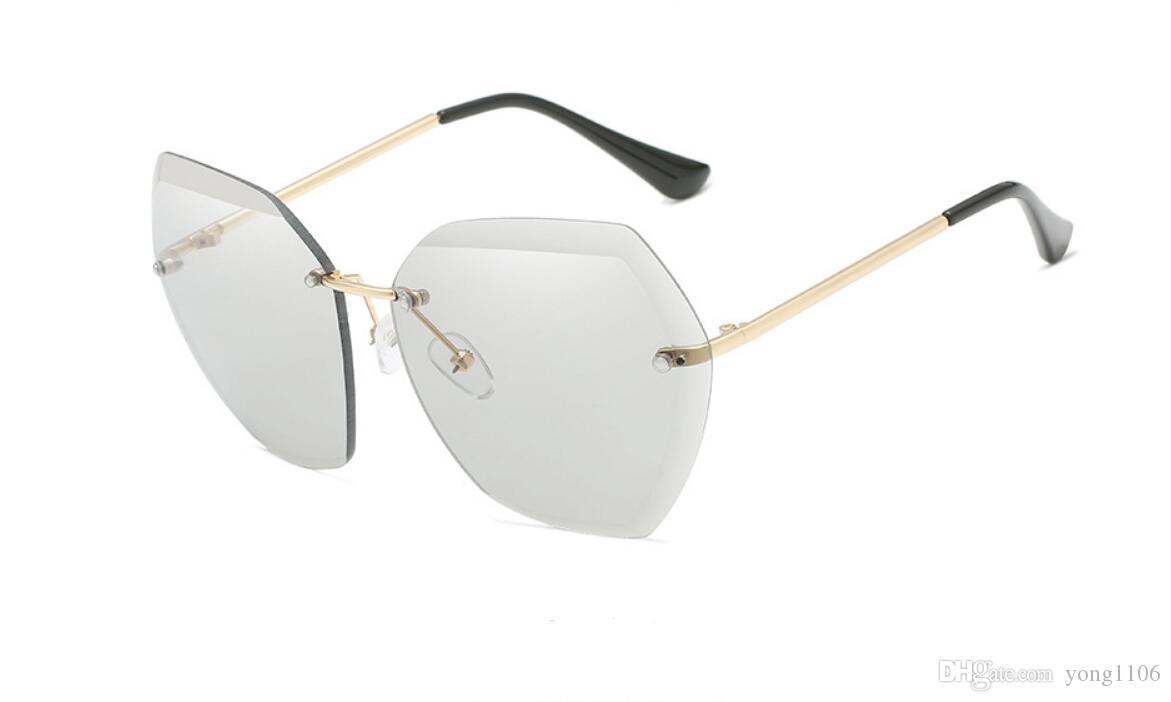 Las nuevas gafas de sol de lentes de océano del diseñador de las mujeres Gafas de sol europeas y americanas recortadas Gafas de sol Moda de moda sin metal para mujer