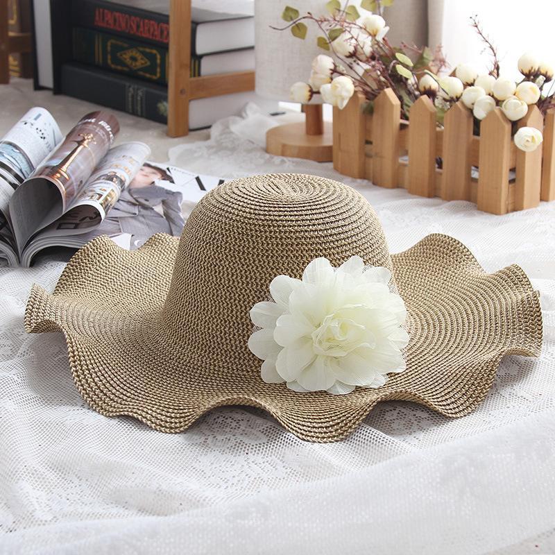 سيدة قبعات القش الشاطئ أحد قبعة المرأة على نطاق واسع بريم قبعات من القش في الهواء الطلق بنما واقية من الشمس القبعات الكنيسة قبعة زهرة LJJA3717
