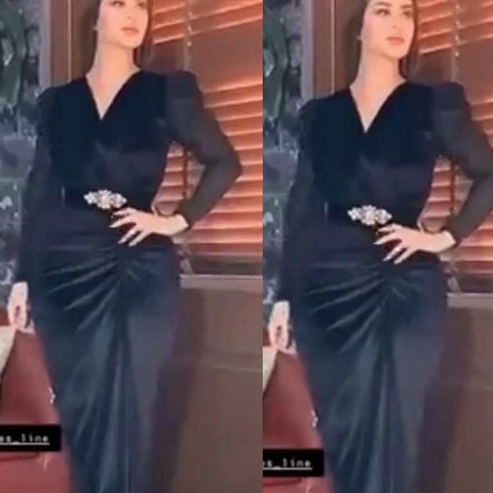 Schwarze Abendkleider 2020 V-Ausschnitt Langarm Plissee-Nixe-Abend-formale Kleider