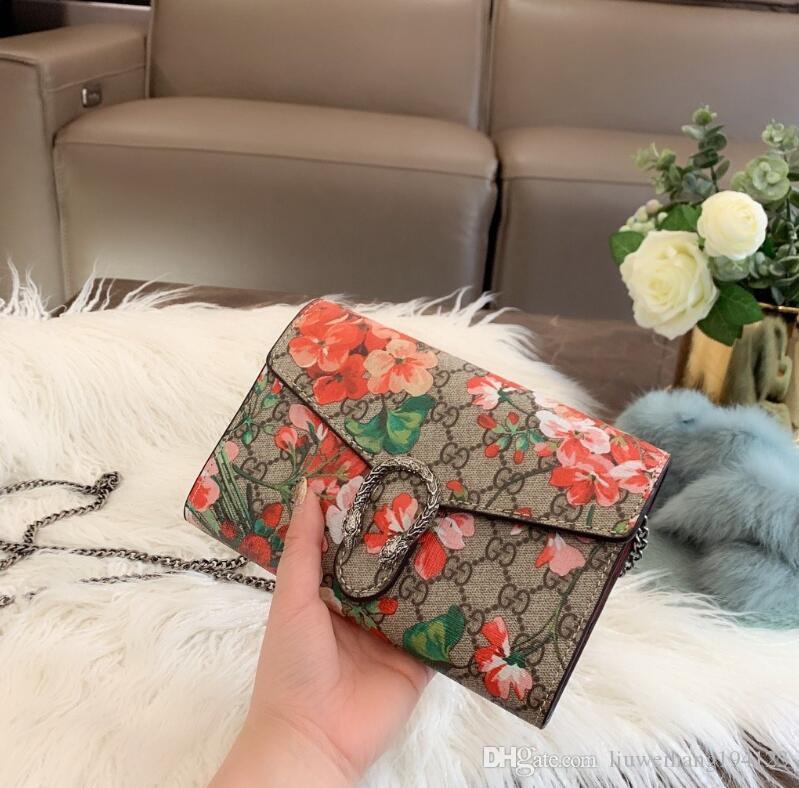 Nouvelle vente et Sacs Mode Femmes Sacs à main Totes Haut Grade Lady Sac élégant épaule Petite Croix d'embrayage du corps Sacs sac de loisirs zlqLG040