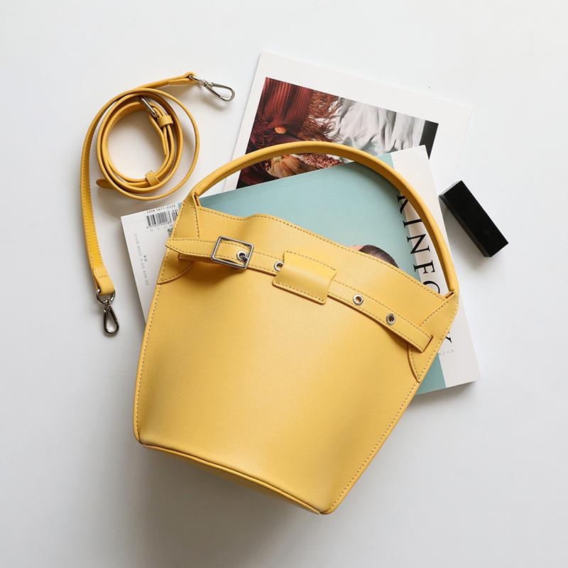 Belle2019 Tide Annual Minimalist Wind Buckle Pull Bring Bucket Woman Joker Single Shoulder Span Package