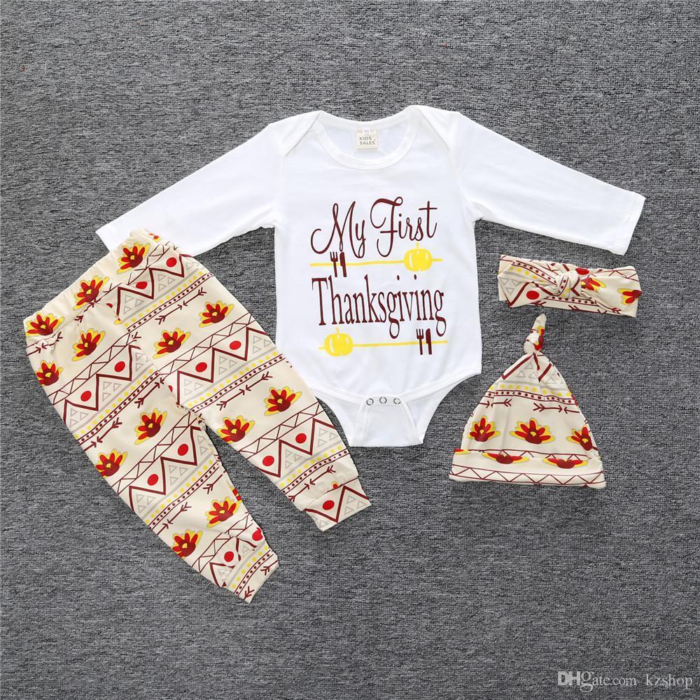 حروف الربيع والخريف ذات الأكمام الطويلة طباعة الطفل الرضيع Romper + السراويل + قبعة + ربطة الرأس لمجموعة ملابس حفلة كريسماس للأطفال