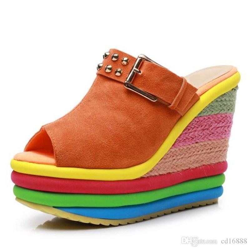Hot Summer 2020 Nueva boca de los pescados del remache trenza de la paja de las mujeres sandalias de los deslizadores de moda ultra de tacón alto de las sandalias antideslizantes sandalias de cuña