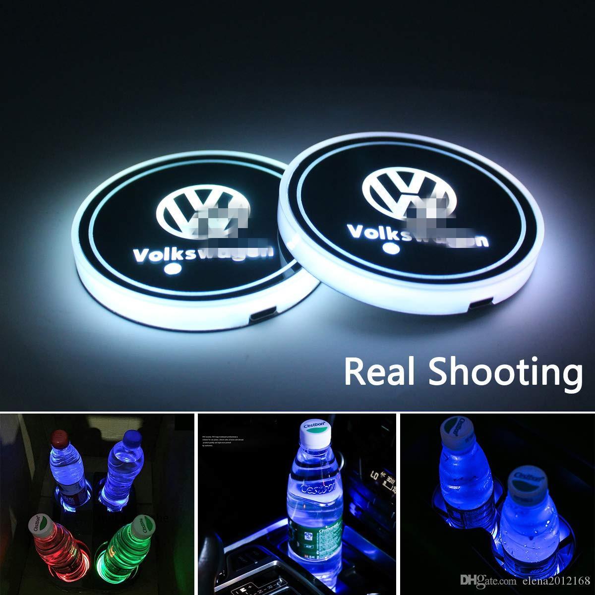 Kupa Pad LED Araba Logo Volkswagen için Mat Lüminesans Kupası Pad LED Mat İç Atmosfer lambası Dekorasyon Işık Şarj Kupa Coaster USB led