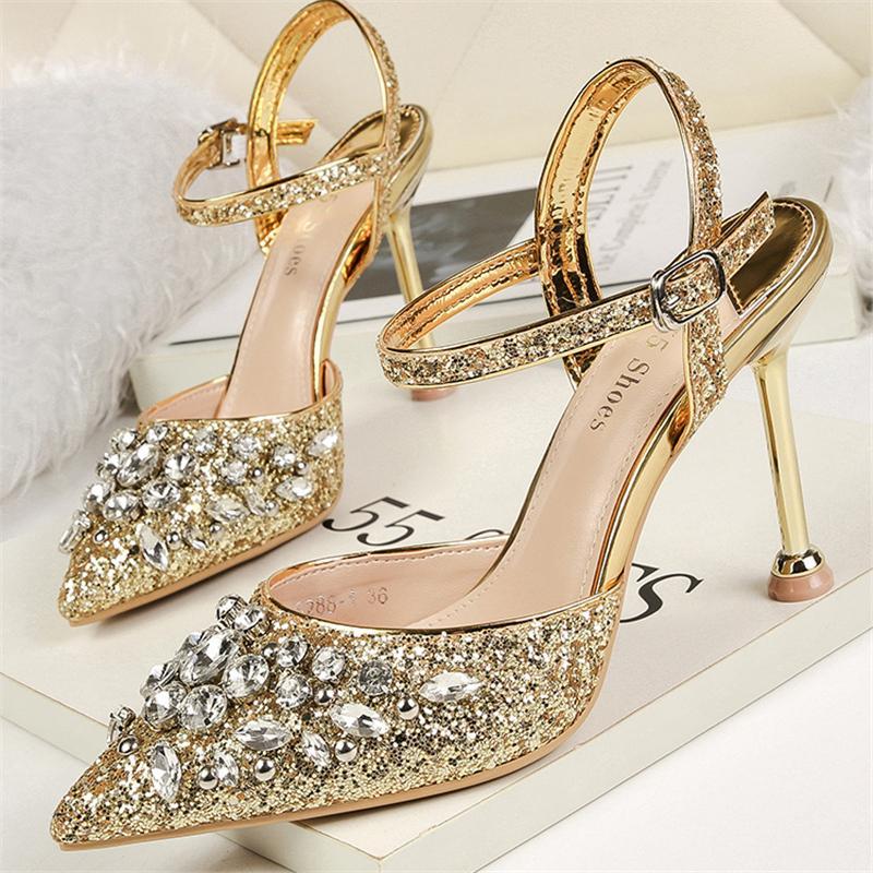 2020 mujeres del verano 9.5cm los tacones altos de cristal de lujo sandalias de la señora de plata del brillo bombas de zapatos de boda Mujer Calzado de las lentejuelas