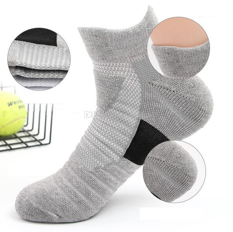 Men's sports sweat-absorbent non-slip running outdoor socks towel bottom boat socks short tube elite basketball socks