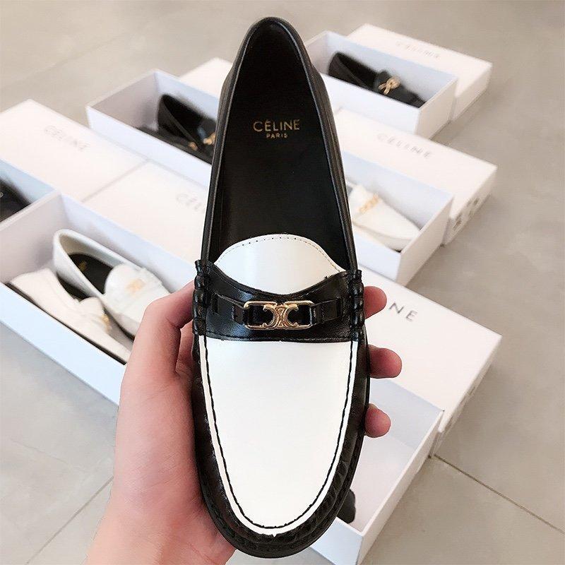Novo Estilo Casual Couro Versão Coreana Four Seasons Plano único sapatos de ouro clássico fivela Lok sapato 030401