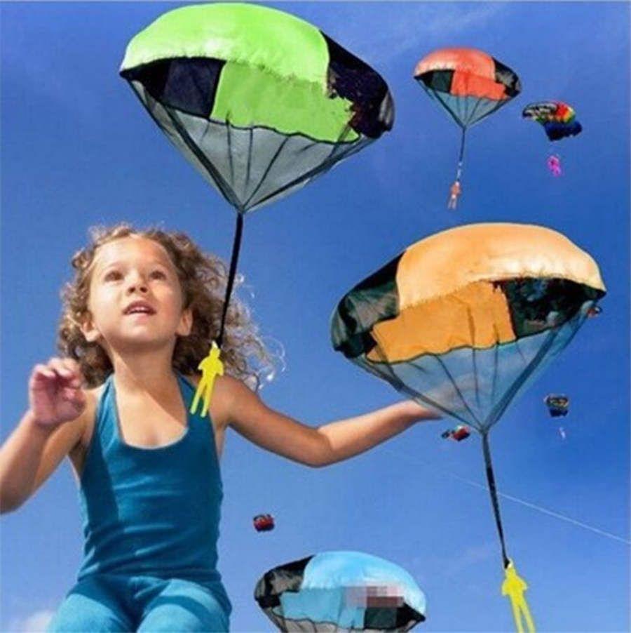 Ручной метательный Mini Play Soldier Парашютных игрушек для детей на открытом воздухе весело Спортивные детской образовательной парашютной игры