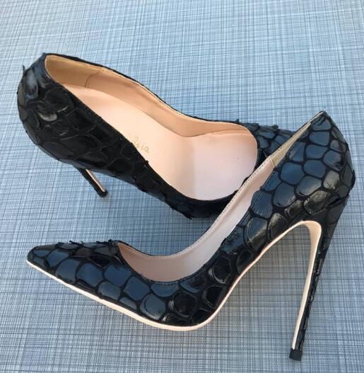 Sıcak satış-Moda Kadınlar Casual Tasarımcı Lady Siyah Süet Çiçekler Yeni Sivri Burun Flats Elbise Ayakkabı Parti Düğün Ayakkabı Gelin Ayakkabı pompaları