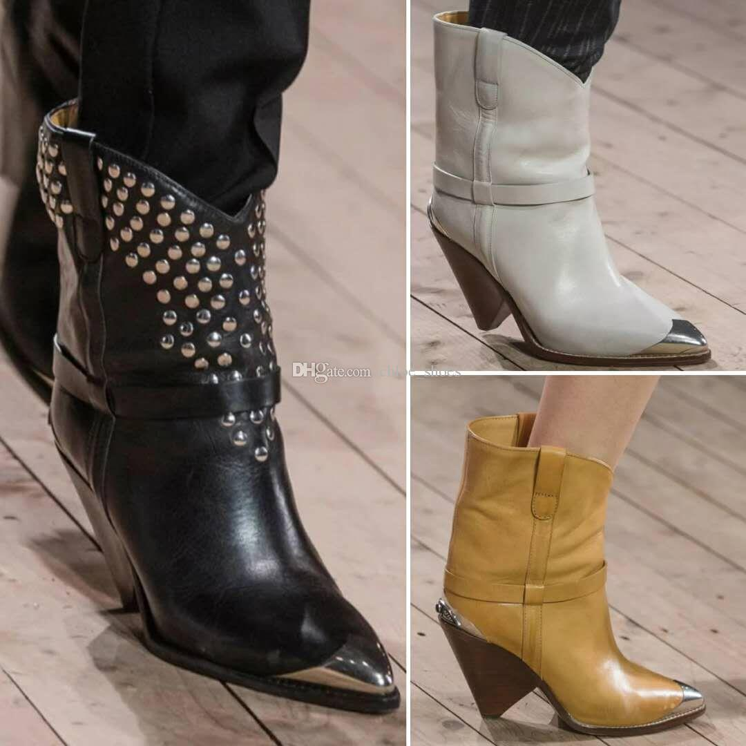 Modo caldo Rivet Stivali autentico Leatther donne Spike tacco punta a punta corta Motorcyle Boots Sbarazzamento Scarpe T Mostra partito