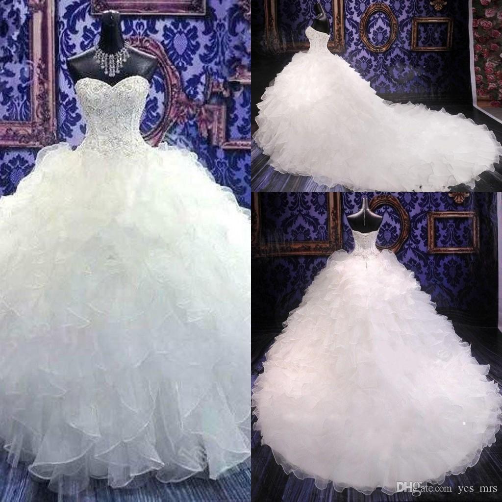 Großhandel 20 Vintage Billig Stickerei Ballkleid Hochzeitskleider  Prinzessin Kleid Korsett Schatz Organza Rüschen Kathedrale Zug Formale