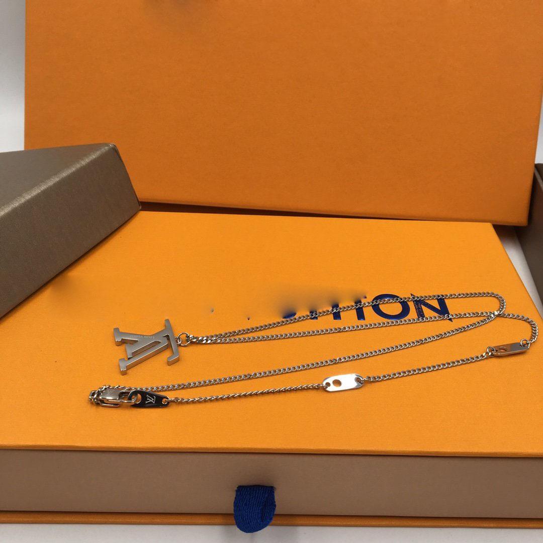 bracelet concepteur collier lettre Inverted femmes anneaux bijoux de luxe boucles d'oreilles bracelet chaînes d'or mens chaîne de lien cuban