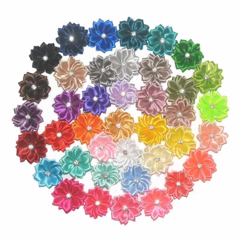 """120 adet / grup 1.5 """"Saç Klip Saç Aksesuarları için Saten Çiçek, DIY Saten Kurdele Çiçekler ile Rhinestone Merkezi 40 Renk Stokta"""