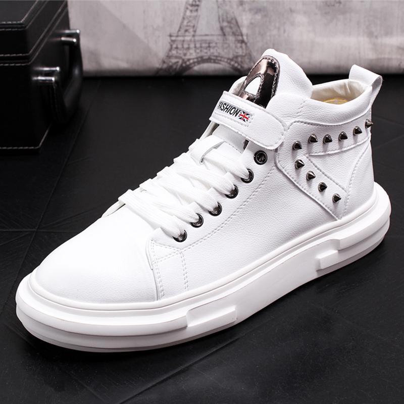 Hommes Casual Chaussures Rivet Chaussures Mode Slip respirant Hommes Chaussures Printemps Automne Casual épais Mocassins Bas