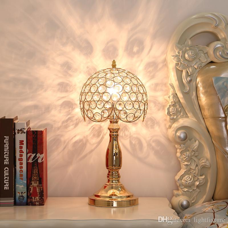 Lámpara de mesa de cristal de estilo europeo dormitorio cálido luces de la mesita de noche creativo romántico moderno simple lámpara de escritorio para sala de estudio