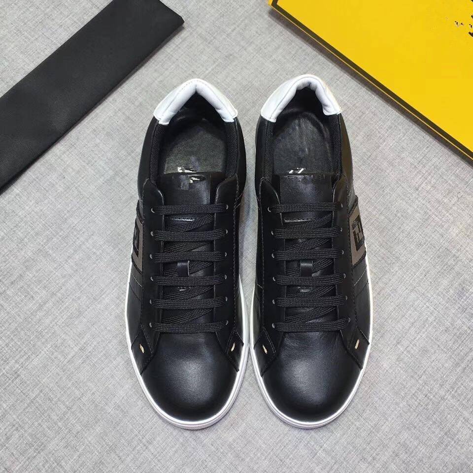 2020 Erkekler Düşük En Günlük Ayakkabılar Lates P Cloudbust Thunder Dantel Fendi Ayakkabı kapsül serisi renk eşleştirme platformu spor ayakkabılar F06 yukarı