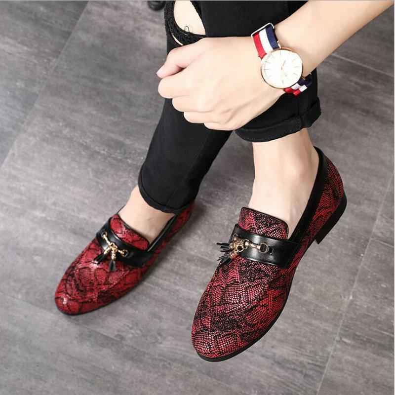 Zapatillas de vestir 2021 Estilo Casual Cuero Discoteca Party Tassel Snakeskin Patrones Mocasines Gran Tamaño A51-34